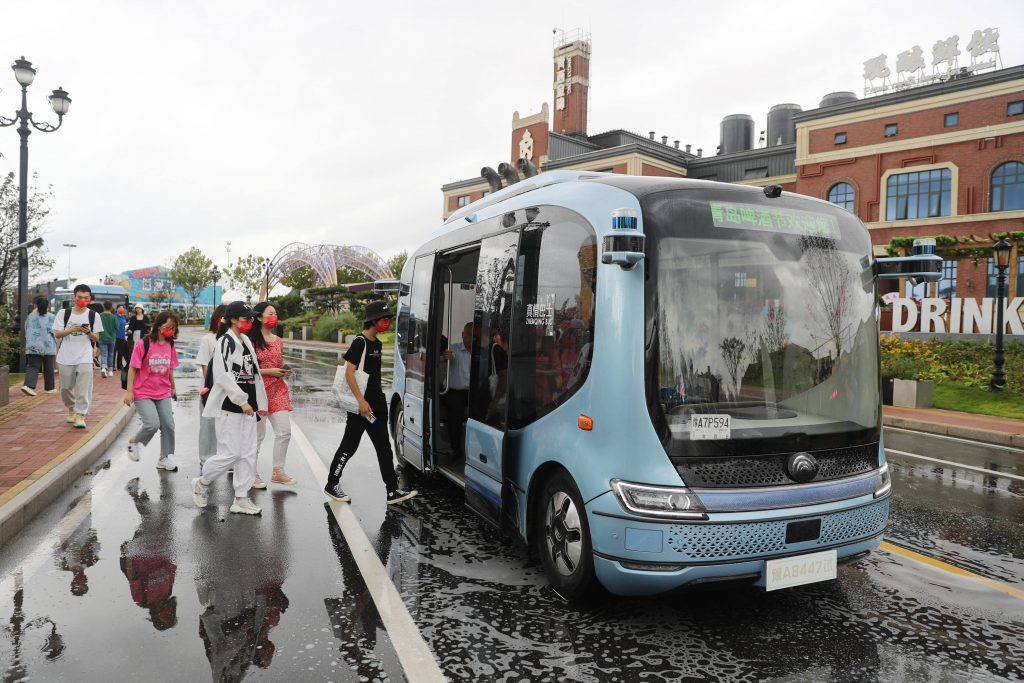 Тестироание беспилотных автобусов в Китае